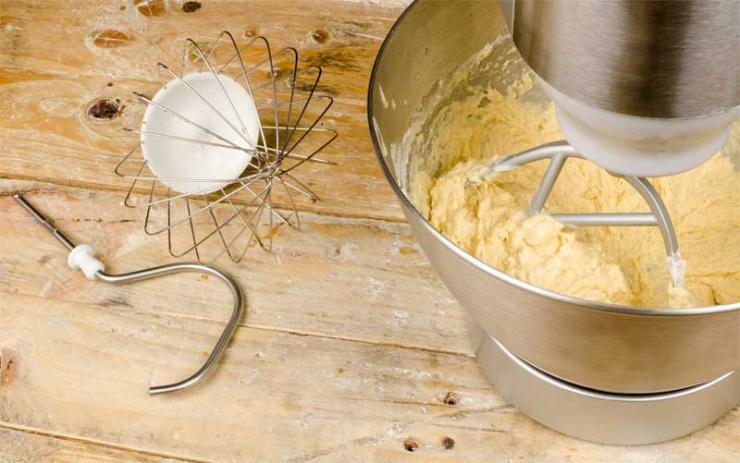 Küchenmaschinen erleichtern uns die Arbeit.