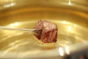 Rezept mit Bild: Klassisches Fleischfondue / Fondue bourguignonne.