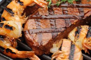 Surf-&-Turf-Spie�e