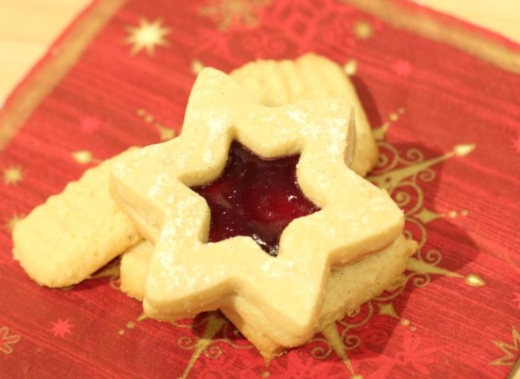 Weihnachtsbäckerei: Spitzbuben.